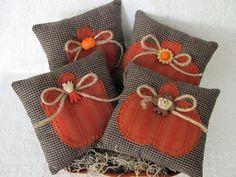 Bowl Fillers Ornies Tucks Primitive by HiddenLakeHomespuns on Etsy, $12.50