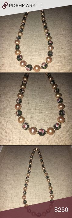 Pearl Necklace with Floral Design Pearl Necklace with Floral Design, absolutely gorgeous. Brand new Jewelry Necklaces