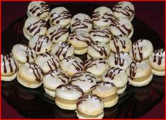 Czech Recipes, Ethnic Recipes, Meringue Cookies, Macaroons, Christmas Cookies, Nutella, Baked Goods, Yummy Treats, Biscuits