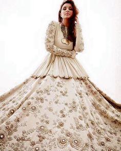 Inquiries Whatsapp➡️ nivetasfashion Nivetas Design Studio We ship worldwid More about this Pin Bridal and Partywear outfits Bridal and Partywear outfits Saved to Anarkali now Inquiries, Indian Wedding Outfits, Indian Outfits, Bridal Outfits, Indian Attire, Indian Wear, Churidar, Anarkali, Lehenga Saree, Sabyasachi Sarees