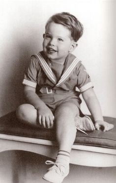 Warren Beatty age 3 ~ famous actor, in childhood dressed in the ever-popular Sailor suit or costume