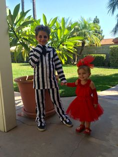 Beetlejuice cartoon lydia costume awesome everyone always thinks halloween beetlejuice and lydia costumes for kids solutioingenieria Choice Image