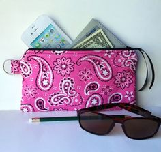 Handmade Zipper Purse Wallet Makeup Bag iPhone Pencil Case Pink Bandana Gift #Handmade #ZipperPurse #Pouch #Wallet #iPhoneCase #PencilCase #MakeupBag #Bandana #Gift
