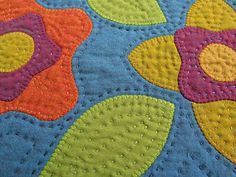 Along with continuing to work with appliqué, I am revisiting two other loves. shot cotton and hand quilting. They both make my heart sin. Quilting Templates, Quilting Projects, Quilting Designs, Quilt Patterns, Quilt Design, Quilting Ideas, Pillow Design, Hand Quilting, Machine Quilting
