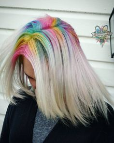 Outside view of my unicorn roots creation for all of you magical humans who were meant to grow vivid rainbow hair, #pulpriothair @pulpriothair #brazilianbondbuilder @brazilianbondbuilder #rainbowroots #windyaf #winteriscoming #brazilianbondbuilder #noyellowshampoo #modernsalon #americansalon