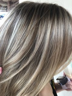 Full highlight by Marisa DeNicola @ Zoltons salon and day spa, Scottsdale Az Medium Hair Styles, Curly Hair Styles, Gray Hair Highlights, Full Highlights, Transition To Gray Hair, Brown Blonde Hair, Grey Hair, Hair Color And Cut, Cool Hairstyles