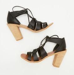 Zimmermann's tassel sandal -- 2 Summer Outfits vis-á-vis The Saline Tank #PlagePerfection