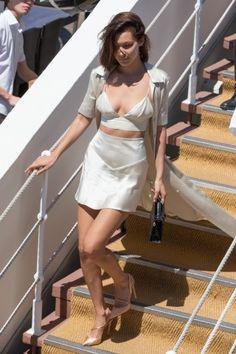Cannes 2017: il brunch di Bella Hadid in abito lingerie