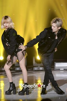 He touched the butt. Hyuna And Hyunseung, Hyuna Kim, Triple H, Trouble Maker Now, Jang Hyun Seung, Park Jimin Cute, E Dawn, Fashion Couple, Couple Pictures
