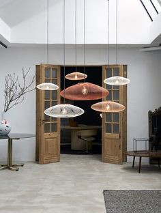 S 339 M 479 L 795 The post UFO Large hanglamp appeared first on Lampen ideen. Blitz Design, Grid Design, Design Art, Pipe Lamp, Led Ceiling Lights, Ceiling Light Fixtures, Led Lampe, Light Decorations, Home Depot