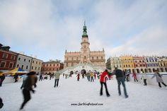 Zamość zimą.   Winter in Zamość   #zamosc #unesco #lubelskie #iceskating #polska #poland #visitpoland #townhall #winter #cityscape #seeuinpoland