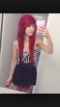 Emo/scene hairstyles<3 <3 <3 I love the style and the color of her hair! :3 I also really like her dress
