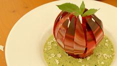 Opskrift på åkande med panna cotta og macaron - en smuk og overdådig dessert. Opskriften var den hemmelige udfordring i finalen af Den store Bagedyst 2017.