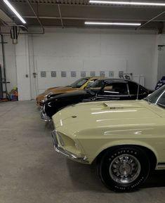 Pretty Cars, Cute Cars, My Dream Car, Dream Cars, Old Vintage Cars, Street Racing Cars, Classy Cars, Car Goals, Car Car
