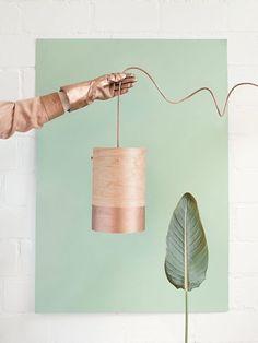 DIY abazur z forniru Restaurant Interior Design, Diy Interior, Diy Luz, Decoracion Low Cost, Make A Lampshade, Tin Can Art, Bar Design, Lamp Shades, Creative Inspiration
