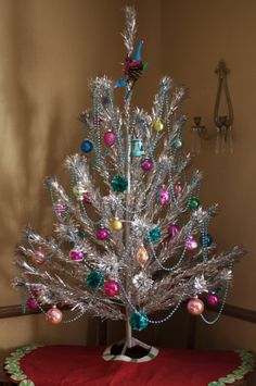 Vintage Christmas Tree | And it wouldn't be Christmas without my vintage aluminum tree put up ...