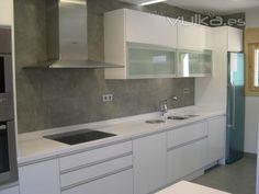 Resultado de imagen de cocinas alto brillo gris