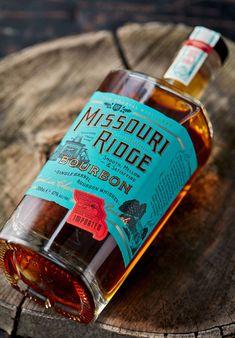 Weekly Inspiration Dose 066 - Indieground Design #graphicdesign #design #art #inspiration #packaging #packagingdesign #bourbon #bottle #label #typography Missouri Ridge