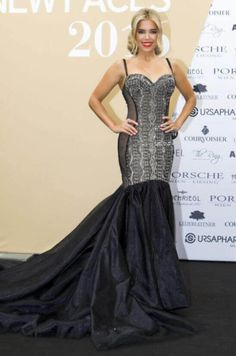 """Sylvie Meis im Galia Lahav Abendkleid """"Ollie"""" als Gewinnerin des """"Leading Ladies Award 2016"""" in Wien."""