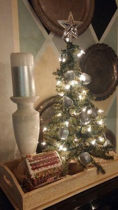 Maureen Porette Home Mini Christmas Vignette 2014