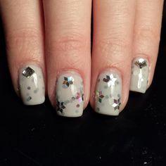 Instagram @Kells_Hotz #nails #makeup #fashion #glitter #rhinestone #snow #flake #winter