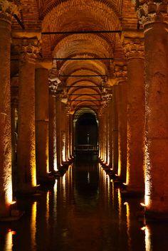 Yerebatan Sarnıcı: One of the ancient cisterns that lie beneath Istanbul (Byzantine era)