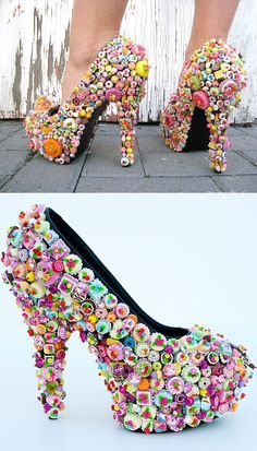 Mar 2020 - 17 Food-Themed Shoes That Could Really Ruin Your Diet These pumps embellished with every confectionery known. Quirky Shoes, Unique Shoes, Weird Shoes, Weird Fashion, Fashion Shoes, Crazy Heels, Funny Shoes, Kawaii Shoes, Embellished Shoes