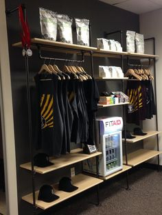Photos of Crossfit Black Storm - Phoenix, AZ. Well stocked retail area with shirts, refreshments, and supplements that support your training goals! Boutique Interior, Gym Interior, Lobby Interior, Office Interior Design, Parkour Gym, Dance Studio Design, Dream Gym, Gym Facilities, Home Gym Decor