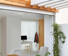 Stay white and wood - penthouse in Valencia, Spain - 1 Decor