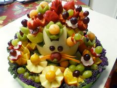 Beautiful ==> Melon Bunny <==Bouquet is a perfect edible centerpiece for Easter and Spring celebrations. Get a free video lesson.