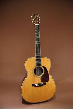 MARTIN 000-45 (1935) : Pre-war Martin. Adirondack spruce top, Brazilian rosewood back & sides