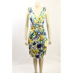 Beautiful floral semi-formal dress from Ralph Lauren. A great dress for the races or summer functions. The dress is fully lined, with ruching at the waist. Dresses For The Races, Hot Dress, Exclusive Collection, Summer Dresses, Formal Dresses, Designer Dresses, Size 14, Ralph Lauren, Floral