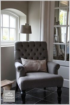 Frieda Dorresteijn Interieuradvies en styling - Home is where the heart is: Country Interior, Gray Interior, Interior Design, Home Living Room, Living Spaces, Reading Nook Chair, Love Your Home, Cozy House, Cozy Cottage