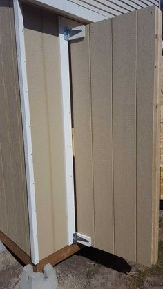 Lean To Shed (3x8') - Imgur Small Shed Plans, Diy Shed Plans, Diy Storage Shed, Built In Storage, Diy Wooden Projects, Wooden Diy, Man Cave Shed Plans, Shed Interior, Houses