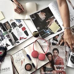 TIC TAC.. brainstorming... ça bosse dur au bureau !! #ffdesignermag #FFD #YoungFashionistaIssue