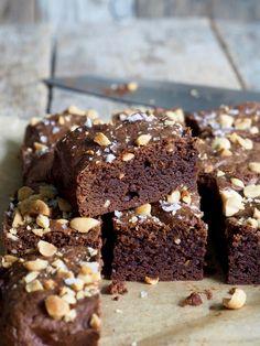 Peanøttsmør brownies Brownie Cookies, Peanut Butter Cups, Brownie Recipes, Diy Food, Brownies, Muffins, Food And Drink, Yummy Food, Sweets