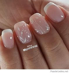 False nails have the advantage of offering a manicure worthy of the most advanced backstage and to hold longer than a simple nail polish. The problem is how to remove them without damaging your nails. Simple Wedding Nails, Wedding Day Nails, Wedding Nails Design, Wedding Pedicure, Nail Designs For Weddings, Wedding Toes, Simple Nails, Wedding Ceremony, Bridal Nails French