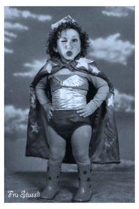 Fru Stussli Jon Snow, Game Of Thrones Characters, Wonder Woman, Superhero, Fictional Characters, Women, Blogging, Jhon Snow, Women's