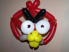 Cool crafts out of balloons - 16 Pics Balloon Hat, Balloon Animals, Balloons, Bird Sculpture, Sculptures, Angry Birds Video Game, Balloon Company, Boy Birthday Parties, Childrens Party