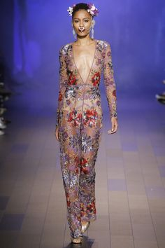 See the complete Naeem Khan Spring 2018 Ready-to-Wear collection. Fashion  2018 2c64c667bc3