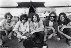 Bernie Leadon, Don Henley, Glenn Frey, Don Felder, Randy Meisner