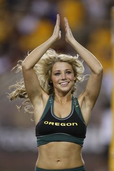 Ranked List of how the Top 10 Hottest College Cheerleading squads Stack Up! Oregon Cheerleaders, Hottest Nfl Cheerleaders, Patriots Cheerleaders, College Cheerleading, Cheerleading Outfits, Cheerleader Girls, Cheerleading Pictures, Gymnastics Girls, Female Fitness