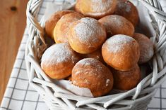 Suzy, Sweets Recipes, Pretzel Bites, Chocolate, Good Food, Bread, Cookies, Baking, Circles