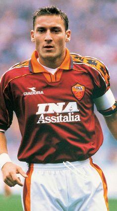 Soccer Kits, Football Soccer, Best Nba Players, Football Images, As Roma, Vintage Football, Italian Style, Sketch, God