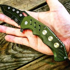 We ship world wide  Www.knivesdeal.com  Link in bio  #knives #pocketknives #foldingknife #foldingknives #survival #bullets #green #brass #black #bugout #bugoutbag #life #getit #hot #thisisit #go #csgo #callofduty #money #clownsightings #phillyclowns #philaclowns #clowns #gottogetit