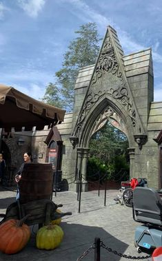 Did you know? Hagrid's Magical Creature Motorbike Adventure is now available during Early Park Admission- which you can get when you book your Universal Orlando Resort tickets or vacation package with me! Get in an hour earlier than the general public! So, which will it be. . .motorbike or sidecar?