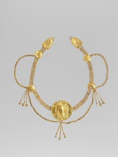 Gold necklace from the Early Hellenistic period. late 4-3 BCE. Greek/South Italian/Tarentine. Gold