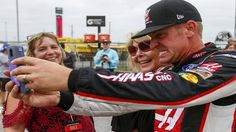 Win at 'home' on Sunday would buoy Emporia's Clint Bowyer during frustrating NASCAR season