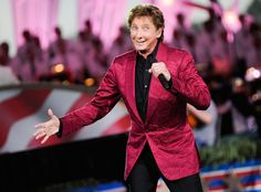 Barry Manilow: 6 Reasons We Love the Capitol Fourth Crooner