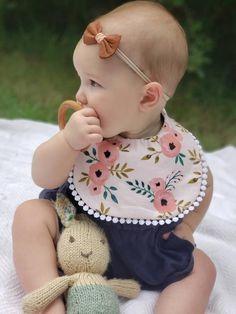 The {Clara} Reversible Baby Bib, boho bibs, Drool Bib, Baby girl gift, baby gift. Baby Girl Dress Patterns, Baby Clothes Patterns, Sewing Patterns, Fabric Patterns, Dribble Bibs, Baby Fabric, Baby Outfits Newborn, Baby Girl Gifts, Baby Sewing